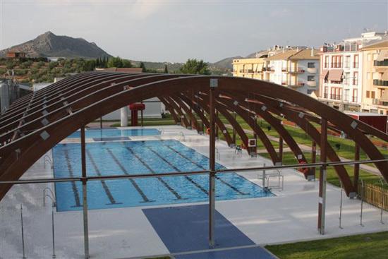 Periodico adarve la piscina municipal de priego de for Piscina municipal cordoba